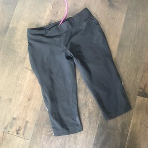 Lucy black cropped activewear running pants